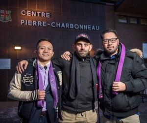 Johnny Zemouli (au centre) mord encore la poussière dans sa tentative de tenir une compétition de jiu-jitsu à Montréal. Il pose en présence de Danny An Khoi ( à gauche) et Martin Nguyen ( à droite) qui sont aussi impliqués dans l'organisation.