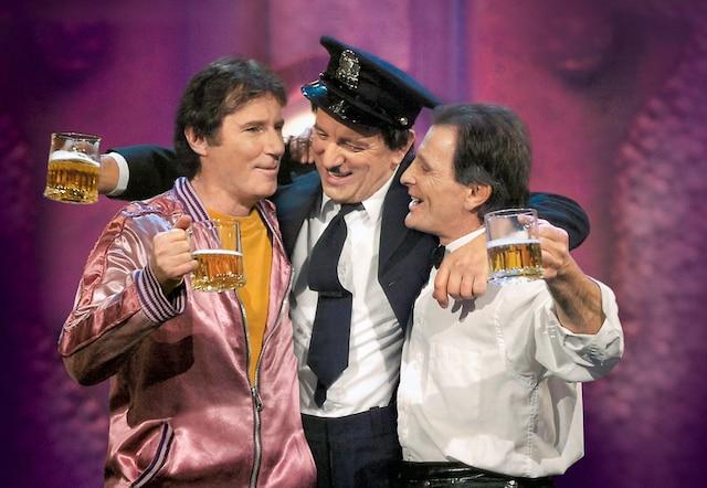 Les trois comparses, Marc Messier, Michel Côté et Marcel Gauthier lors de la Rentrée culturelle au Saguenay-Lac-Saint-Jean, en 2013. La pièce a fait le tour de la province.
