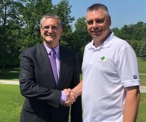 Le président du circuit Jean Trudeau et le maire de Victoriaville, André Bellavance