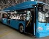 Le RTC a présenté aux médias, jeudi, le premier autobus articulé 100% électrique testé dans les rues de la capitale. D'autres modèles seront aussi à l'essai prochainement.