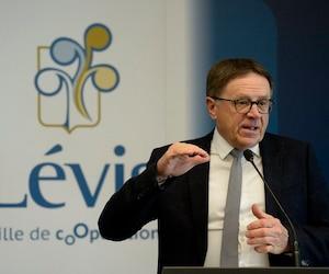 Le maire de Lévis Gilles Lehouillier a présenté ses priorités pour 2018.
