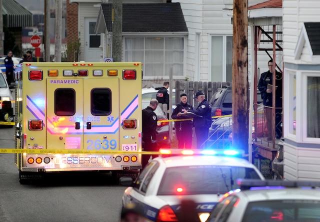 Un drame c'est produit au 15 rue Foisy � L�vis jeudi le 3 Mai 2012 pr�s de Qu�bec. Un enfant serait mort par arme � feu.SIMON CLARK/JOURNAL DE QUEBEC/AGENCE QMI