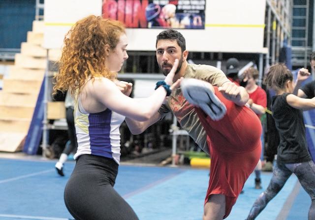 Le metteur en scène, Michael Schwandt, a indiqué qu'il voulait rejoindre les amateurs de UFC(arts martiaux mixtes).
