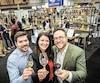Patrice Plante, mixologue, Jessica Harnois, sommelière, et Vincent Lafortune, président du Salon, attendent les amateurs de vins et spiritueux au Centre des congrès.