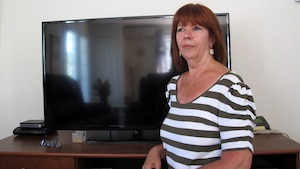 «J'avais bien pris soin d'emballer le téléviseur dans sa boîte, avec le styromousse d'origine», dit Jocelyne Lussier. Le contrat du déménageur prévoyait une indemnité de 4,41 $ le kilo pour sa télé neuve brisée, soit 60 $. Un juge l'a condamné à verser 796 $ à sa cliente.