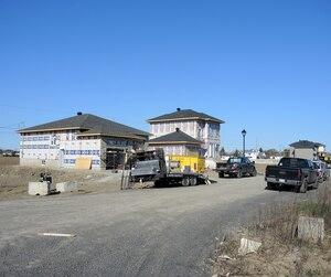 Pour se faire rembourser des impayés de 12 000 $, un cabinet d'avocats a mis la main sur des terrains dont la valeur est maintenant estimée à plus de 2 millions $.