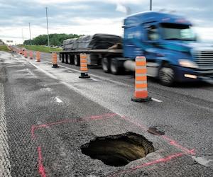 Vendredi, un affaissement de chaussée a forcé la fermeture de la bretelle de l'autoroute 25 sud menant à la 640 est à Terrebonne en pleine heure de pointe.