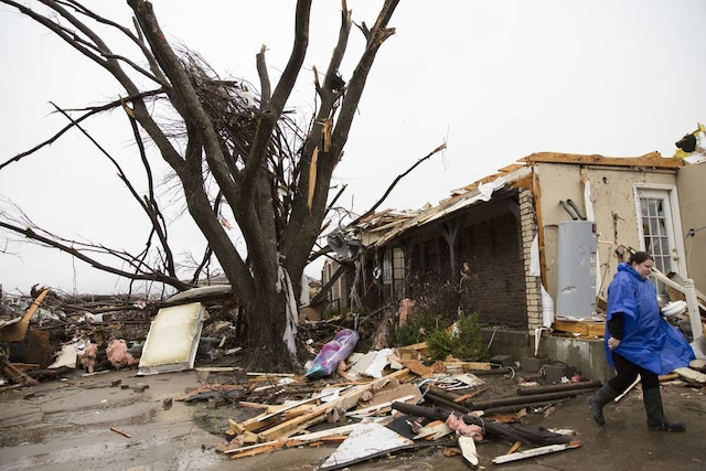 Les recherches se poursuivaient dimanche à Rowlett après le passage d'une violente  tornade.