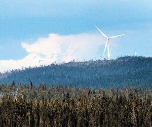 Le PDG d'Hydro-Québec, Éric Martel, affirme qu'un projet éolien sur la Côte-Nord est «difficilement recommandable» en raison des doutes qui planent sur les retombées et bénéfices pour la communauté innue.