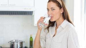5 raisons de boire plus d'eau