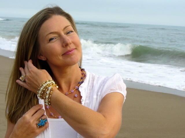 Julie Masse s\u0027est lancée dans la création de bijoux en plus de profiter de