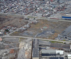 La firme Dessau-Soprin, démantelée en 2014, a rédigé le plan de réhabilitation du site de la Jenkins, avant de passer le relais à la firme Solroc.