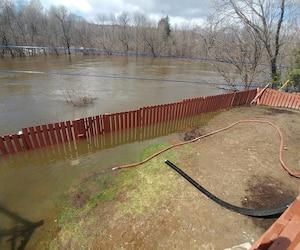 La rivière du Nord a débordé et empêche plusieurs résidents de rentrer chez eux.