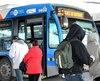 Deux jeunes ont menacé un adolescent de 12 ans pour lui prendre sa carte d'autobus.