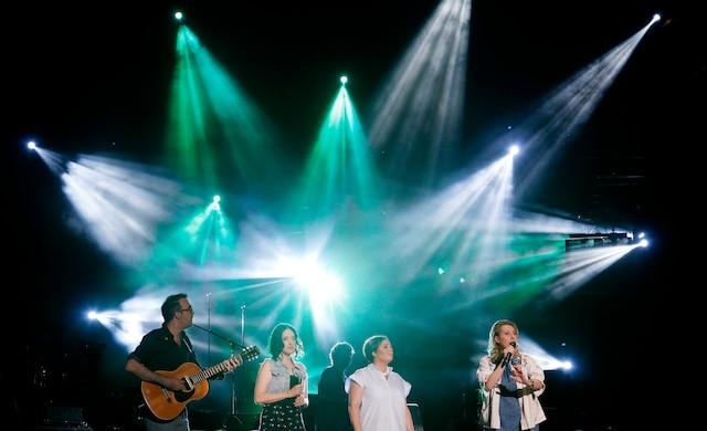 Les chanteuses Ariane Moffatt, Marie-Pierre Arthur et Martha Wainwright pendant le spectacle de la fête nationale  sur les plaines d'Abraham.