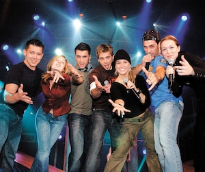 Ici, des candidats de la première cuvée de la téléréalité en 2003.