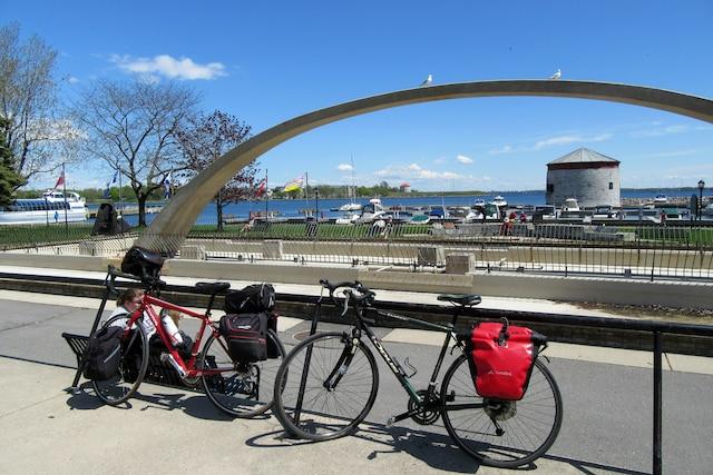 La baie de Kingston, en Ontario, avec ses célèbres tours Martello.