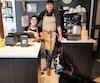 L'entrepreneur Bertin Savard, 54 ans, est très fier de son employée, Anaïs Sabourin, atteinte de paralysie cérébrale, qui vient au travail avec son chien Mira.