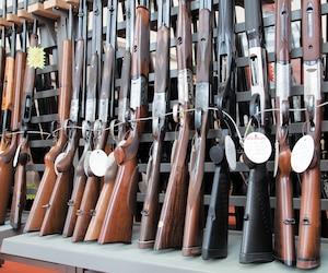 Armes d'occasion en vitrine