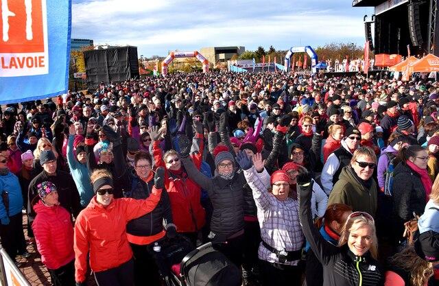 Plus de 3000 personnes étaient attendues samedi avant-midi à Saguenay pour la marche du Grand défi Pierre Lavoie. ROGER GAGNON/AGENCE QMI
