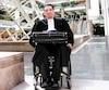 Paralysé jusqu'au cou, Érick Bouchard est procureur de la Couronne fédérale depuis 16 ans.