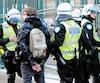 Les policiers de la Ville de Montréal avaient procédé à environ 250 arrestations sur la rue Saint-Hubert, entre Sainte-Catherine et DeMaisonneuve, dans le cadre de la manifestation annuelle contre la brutalité policière, le 15mars2013.