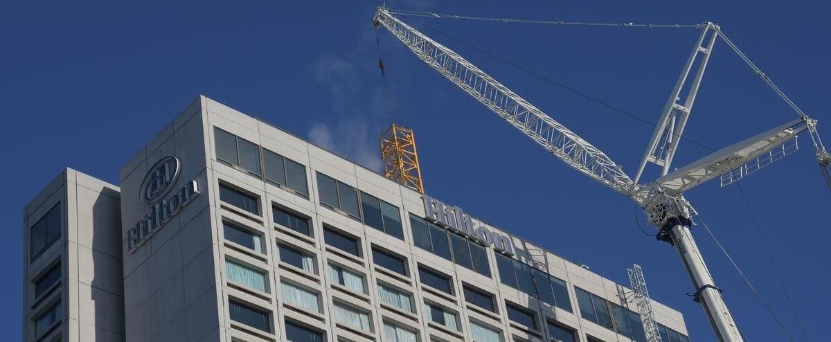 [EN IMAGES] Chantier de l'hôtel Hilton: opération spectaculaire en plein centre-ville