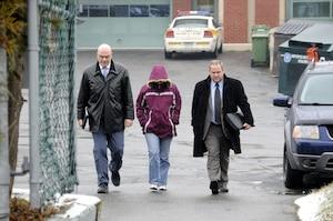 Sonia Blanchette, la mère des trois enfants retrouvés morts à Drummondville dimanche, a tenté, en décembre 2011, d'enlever sa cadette, alors âgée de 14 mois. Elle avait été retrouvée le jour suivant. La cause était toujours devant les tribunaux au moment du décès des trois enfants.