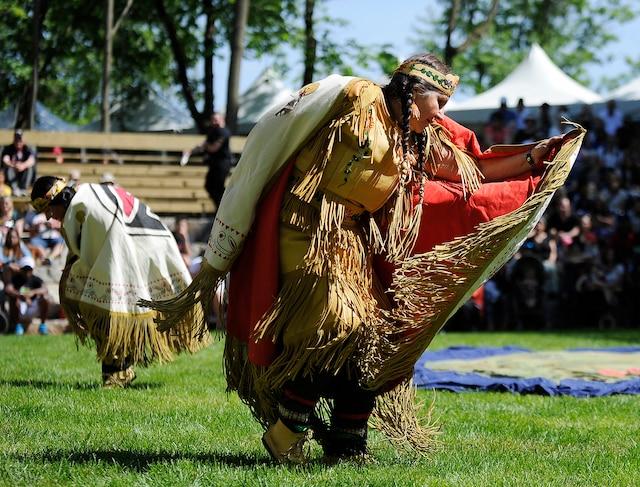 Wendake vibre au rythme du Pow-Wow durant tout le week-end.