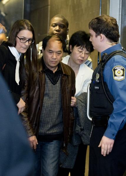 Palais de justice de Montreal, Diran Lin, père de Jun Lin sort suite a un malaise
