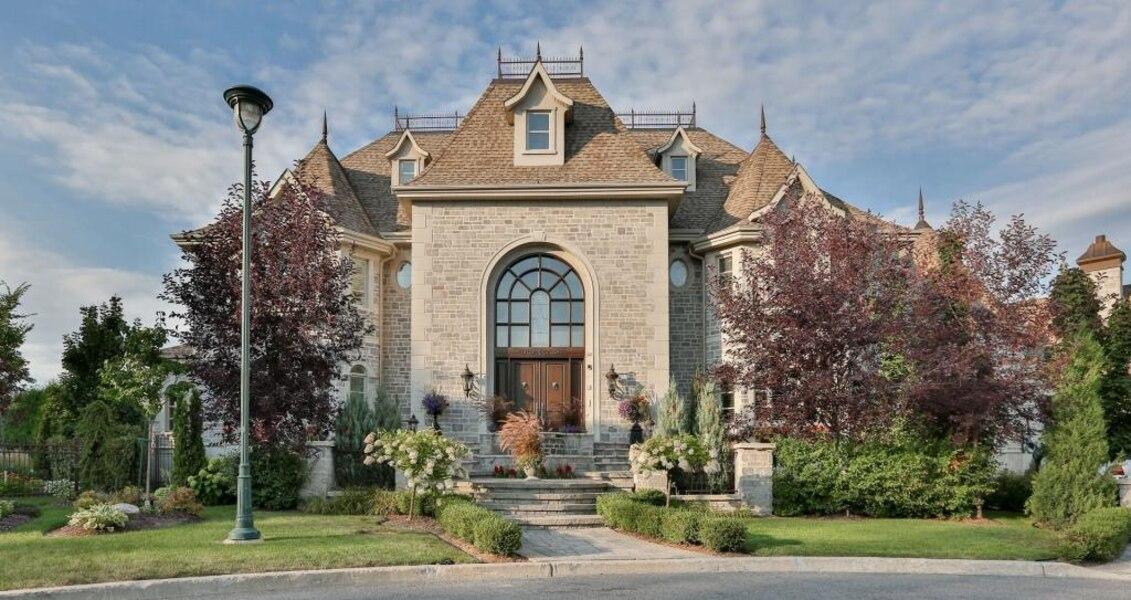 Un château de rêve à vendre à Candiac | Le Sac de chips