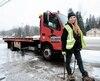 Katey Sigouin vientchaque jour en aide à des automobilistes dont le véhicule est accidenté ou en panne, dans les Laurentides.