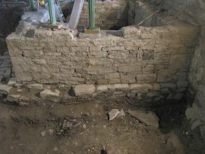 Les vestiges retrouvés démontrent l'ingéniosité des sœurs Augustines afin d'assurer l'approvisionnement en eau.