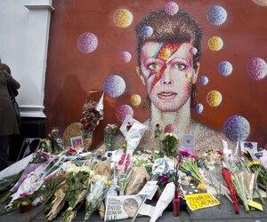Hommage à Bowie à Londres.