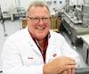 Avec une usine automatisée à 90%, le président d'Aliments2000, Denis Giroux, a le vent dans les voiles.