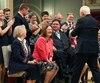 Jane Philpott éclate de rire peu après être passée de ministre de la Santé à ministre des Services aux Autochtones. Septautres postes ont été annoncés lundi par Justin Trudeau à la résidence du gouverneur général du Canada, à Ottawa.