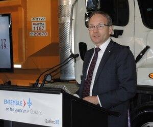 Le ministre Martin Coiteux était à Montréal, ce matin, pour annoncer les travaux routiers à venir ces deux prochaines années dans la métropole.
