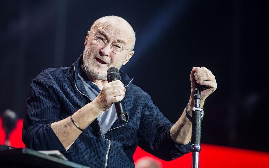 Image principale de l'article Phil Collins fait une chute durant un concert!