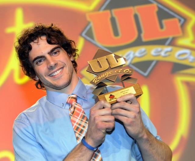 61e Gala du Mérite sportif Rouge et Or de l'Université Laval mardi le 10 Avril 2012 a Quebec. Gagnant du prix Athlète de L'Année, Karl De Grandpré en Volleyball.SIMON CLARK/JOURNAL DE QUEBEC/AGENCE QMI