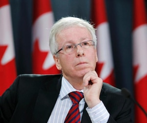 Liberal Critic for Democratic Reform Stéphane Dion and Liberal House Leader Marc Garneau talked to members of the media about a plan for seat redistribution.