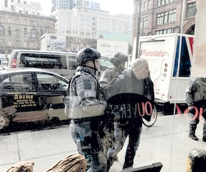 Le Hells Angels Marc Bordage, qui a longtemps fait partie des criminels les plus recherchés au Québec, a été arrêté jeudi au centre-ville de Montréal.