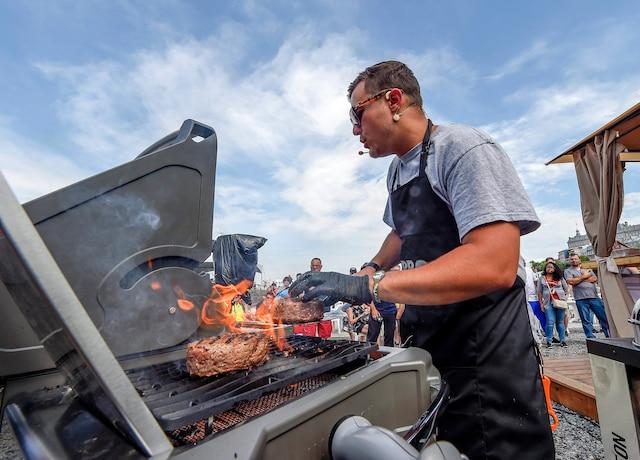 Les démonstrations culinaires ont permis aux visiteurs d'en apprendre un peu plus sur les différentes techniques pour réussir ses grillades.