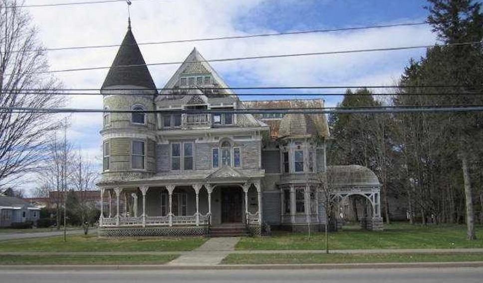 Cette maison habit e par des fant mes est vendre jdm - Maison a vendre par l etat ...