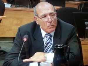 Nicolo Milioto, alias Monsieur Trottoir, a été averti deux fois par la juge Charbonneau des risques de parjure ou d'outrage au tribunal qu'il encourt s'il continue à jouer la fine bouche devant la commission Charbonneau.