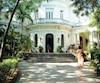 L'entrée de la prestigieuse demeure des écrivains et artistes cubains.