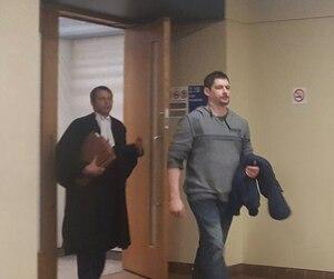 En février 2015, Dave Turbide et sa conjointe étaient arrêtés lors d'un important coup de filet visant des sympathisants des Hells Angels.