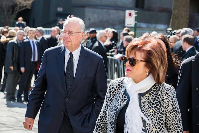 Funérailles à la mémoire de Monsieur Jean Lapierre et de Madame Nicole Beaulieu à l'église St-Viateur d'Outremont à Montréal, le samedi 16 avril 2016. Sur la photo: Paul Martin et sa conjointe. TOMA ICZKOVITS / AGENCE QMI