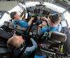Le PDG de Boeing, Dennis Muilenburg (en bas, à gauche), s'est récemment familiarisé avec la mise à jour du logiciel MCAS, qui est au cœur des enquêtes sur les écrasements d'avions737 MAX appartenant à Lion Air et Ethiopian Airlines.