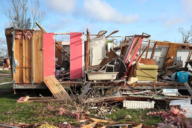 PANAMA CITY, FL - OCTOBER 11: Debris is strewn next to a mobile home destroyed by Hurricane Michael on October 11, 2018 in Panama City, Florida. The hurricane hit the Florida Panhandle as a category 4 storm.   Joe Raedle/Getty Images/AFP == FOR NEWSPAPERS, INTERNET, TELCOS & TELEVISION USE ONLY ==