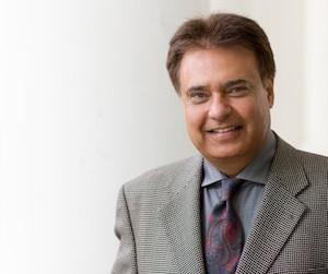 Hardeep (Hardy) Grewal, qui a obtenu son diplôme de Concordia en 1983, «considère que l'université a joué un rôle fondamental dans sa réussite».